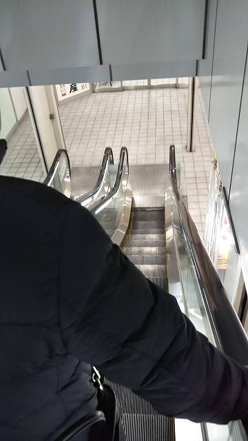 川崎ほのぼの横丁エスカレータ