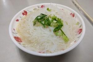 羅媽媽米粉湯の汁ビーフン