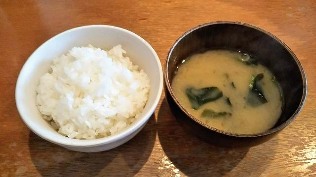 タカサキハンバーグ ご飯と味噌汁