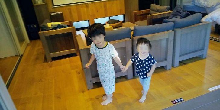 タイニーベースで遊ぶ子供たち