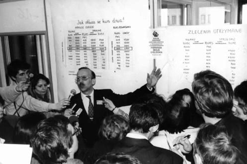 Wiesław Rozłucki, pierwszy prezes GPW, tłumaczy mechanizmy funkcjonowania giełdy.