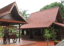 rumah adat suku betawi