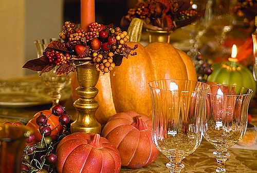 Ways To Give Thanks at Thanksgiving Table