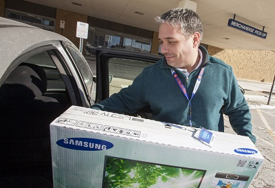 Sears Introduces In-Vehicle Pickup, Powered by Shop Your Way Mob
