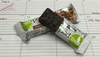 7 Healthy Snacks to Eat at Work header