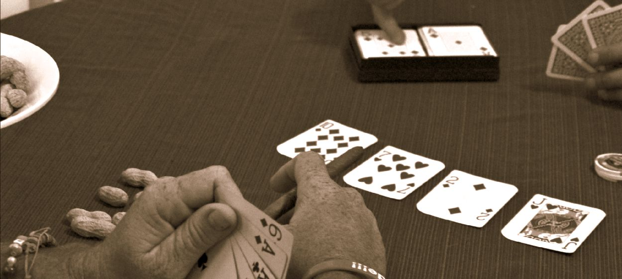 How To Host A Successful Poker Party #pmedia #havanahoneys