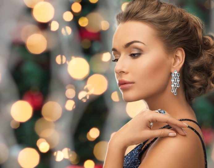Three Must-Have Jewelry Items Every Woman Needs This Year and When to Flaunt Them