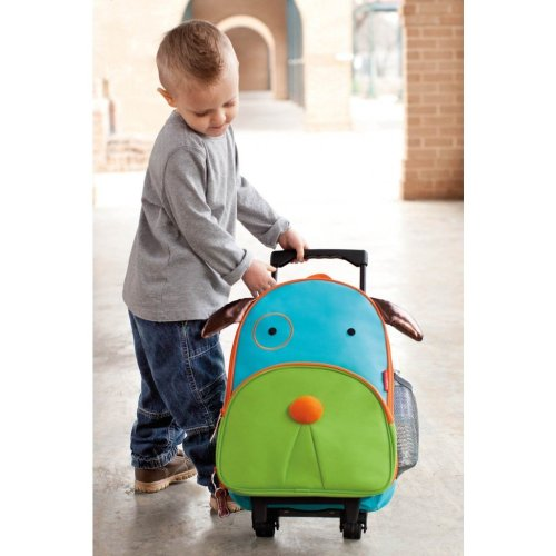 kids-rolling-luggage