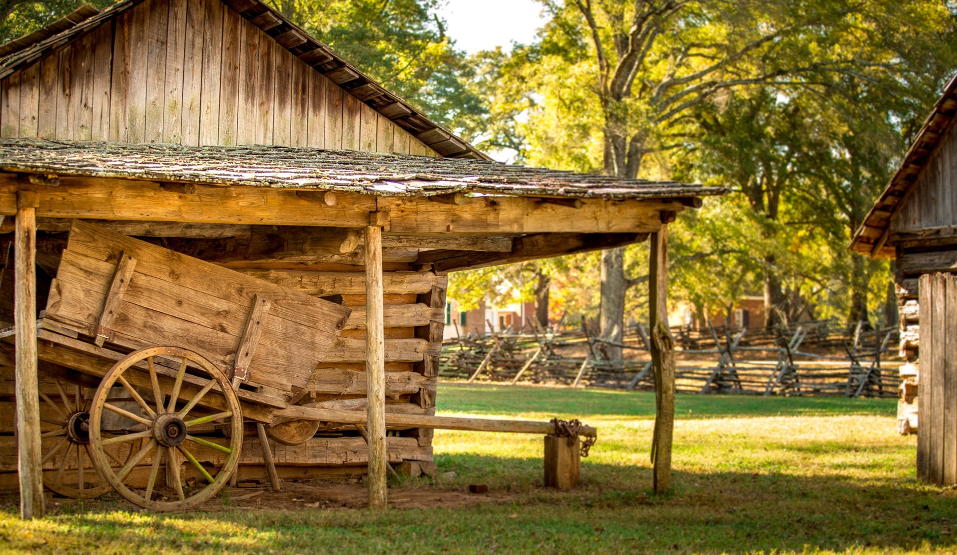 How to Build an Ideal Barn for Your Home Storage Use