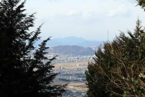 尾張富士の一眼の頂上から近くの山