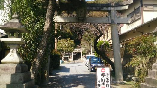 大文字山への道の神社