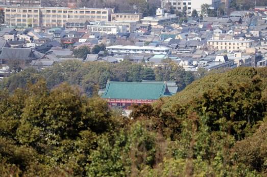 将軍塚の青龍殿から見える平安神宮