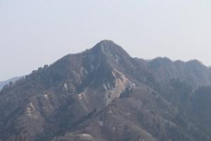 御在所16の長者池へ向かう遊歩道から山々を撮影