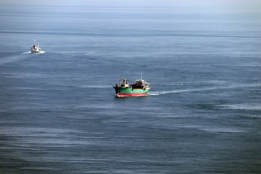 鳴門6-8エスカヒルから見た漁船