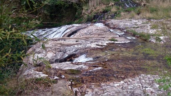 つたのふち10滝へ水が落ちる手前の部分を撮影1
