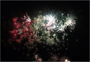 長良花火のたくさんの花火
