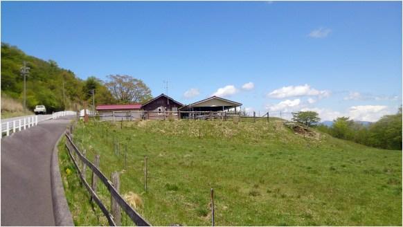茶臼山牧場1の8小屋