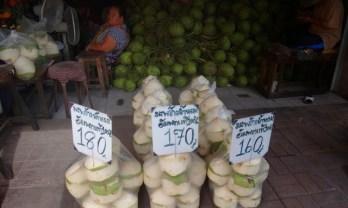 ムアンマイ市場は青果フルーツが安い