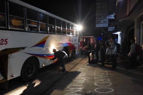 Sagada午前5時発のバスは4時頃から来ていないとこれだけの人数があぶれる。