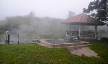 Pong Bua Ban Hot Springs ポンブアバン温泉