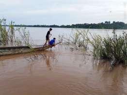 イルカがいるラオス最南端のメコン川