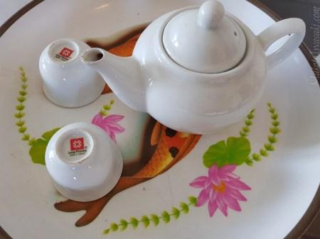 ホテルの茶器