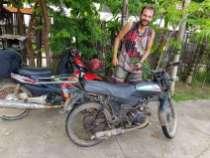 ゲストハウスにブラジル人がいて、ルアンプラバンで250ドルで買ったバイク