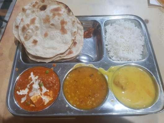 Topiwala Restaurant の100ルピータリ。8年前は35ルピーだった