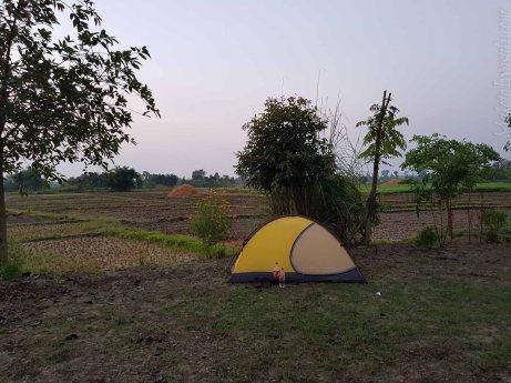 朝、キャンプ、100Rs Royal Tiger Cottage