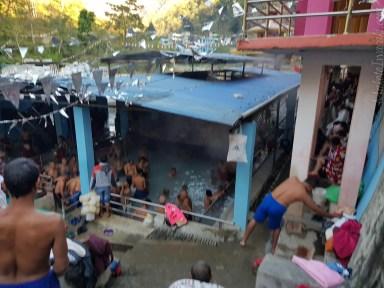 Singa Tatopani 温泉で湯治