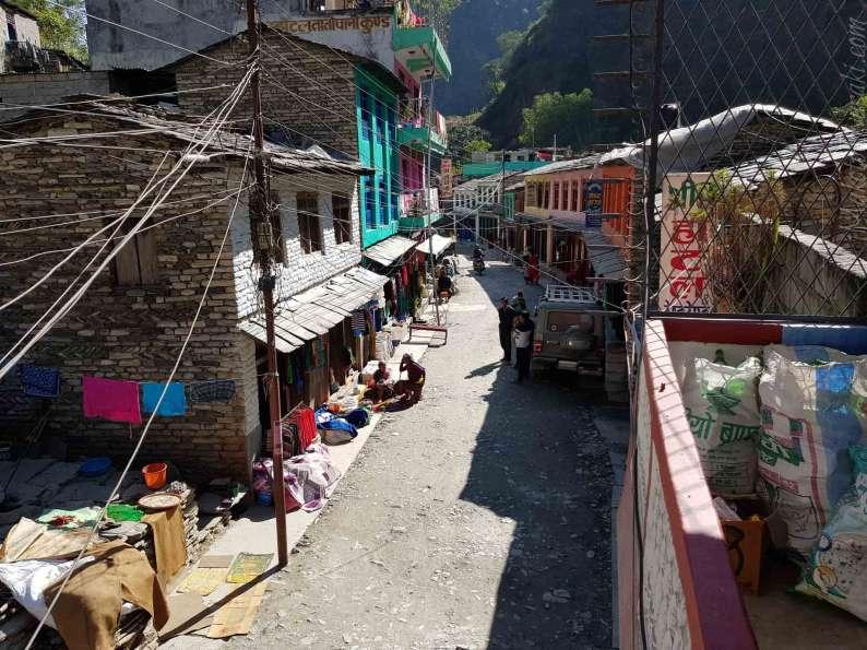 Sherchan Hotel から通りの眺め