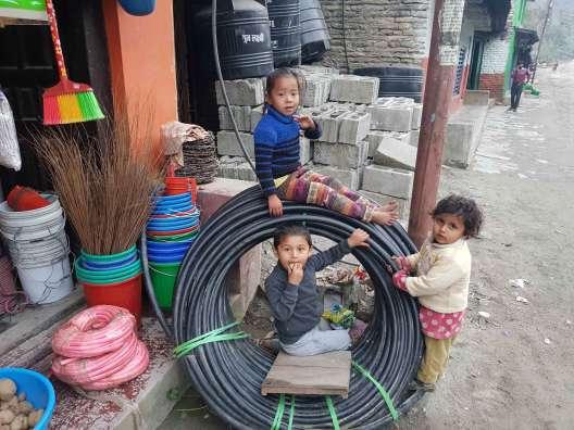 シンハ温泉のローカル米とヒンド米