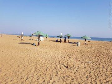 宿から5分で砂浜に出る