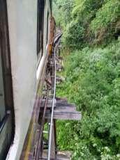泰緬鉄道 Tomburi Namtok 線に乗る