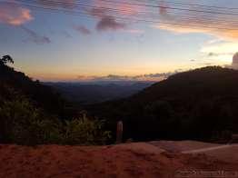 クンユアムからチェンマイ方面の峠道で夕陽