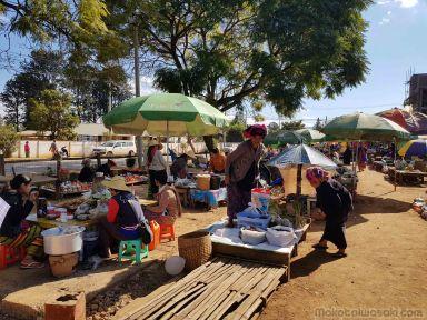 大パゴダの門前市場