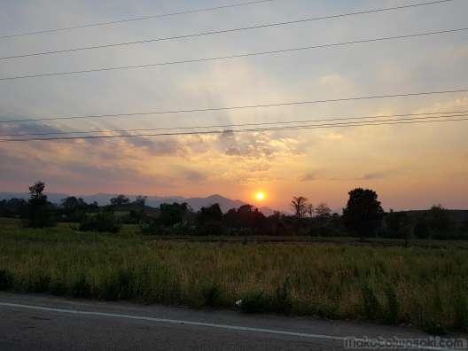 メーソット南郊外の夕陽