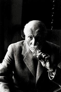 Carl_Gustav_Jung,_1959
