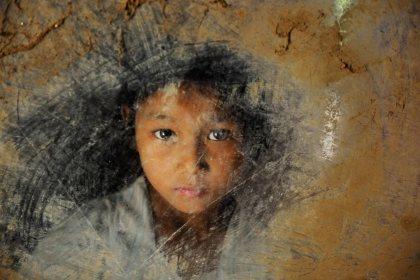Steve McCurry,BURMA-10214, Shwedagon, Pagoda, Burma, Myanmar, Rangoon, Yangon, February, 2010.