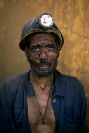 Steve McCurry,Coal Miner, Pul i Khumri, Afghanistan, 2002