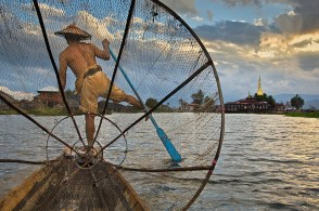 Steve McCurry,BURMA. 2008. Fisherman on Inle Lake.