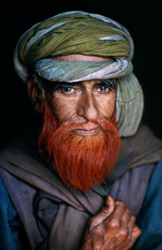 Steve McCurry,INDIA. Jammu and Kashmir. Srinagar. 1996. Shepherd.