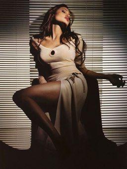 Angelina-Jolie-20