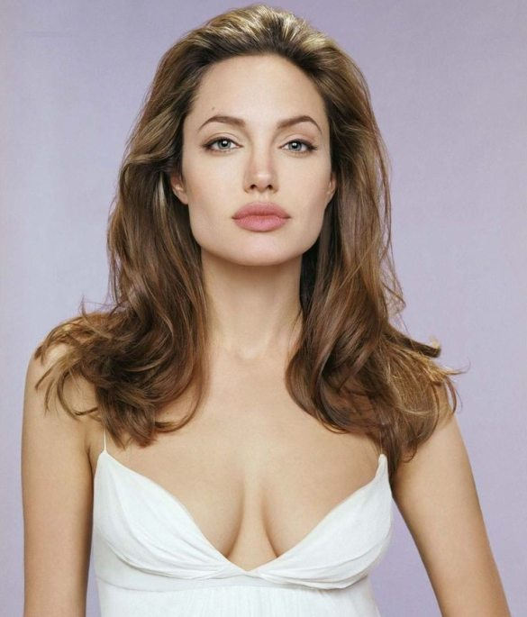 Angelina-Jolie-69