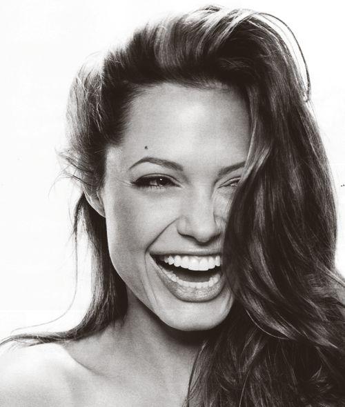 Angelina-Jolie-7