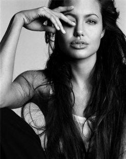 Angelina-Jolie-73