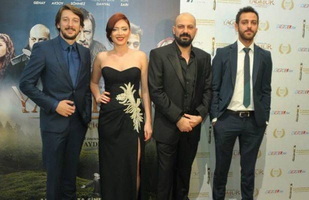 Yagmur-Kiyamet-Cicegi-2014-filmi-10