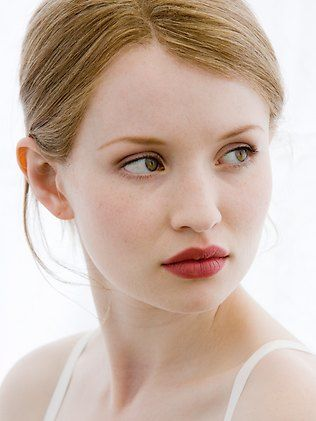 Emily-Browning-Photo-2016-10