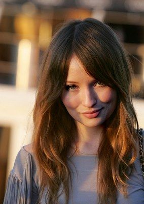 Emily-Browning-Photo-2016-11