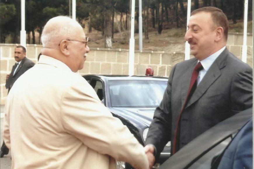 Центр творчества Максуда Ибрагимбекова поздравляет президента Азербайджана Ильхама Алиева с днём рождения!